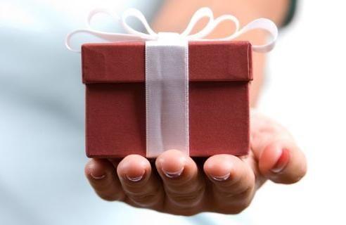 А вы знаете, как дарить подарки?