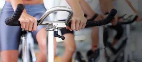 сколько калорий сжигается на велотренажере