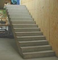Бетонная лестница – ее разновидности и методы изготовления