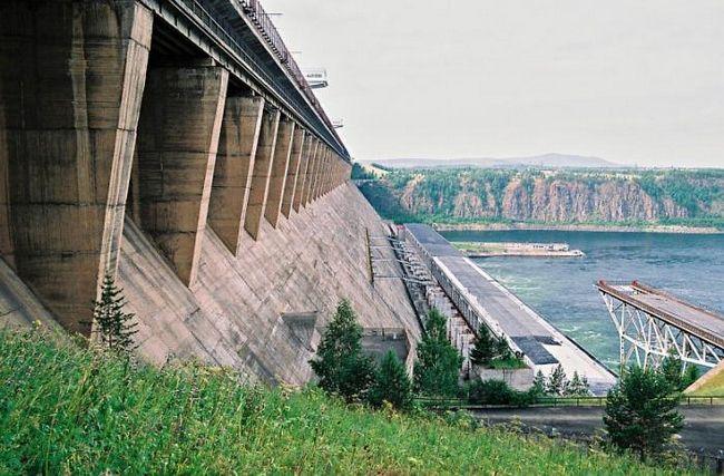Братское водохранилище - один из наибольших водоемов мира