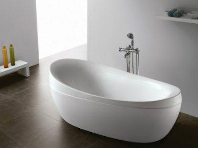 Чем чистить акриловую ванну? Советы и рекомендации