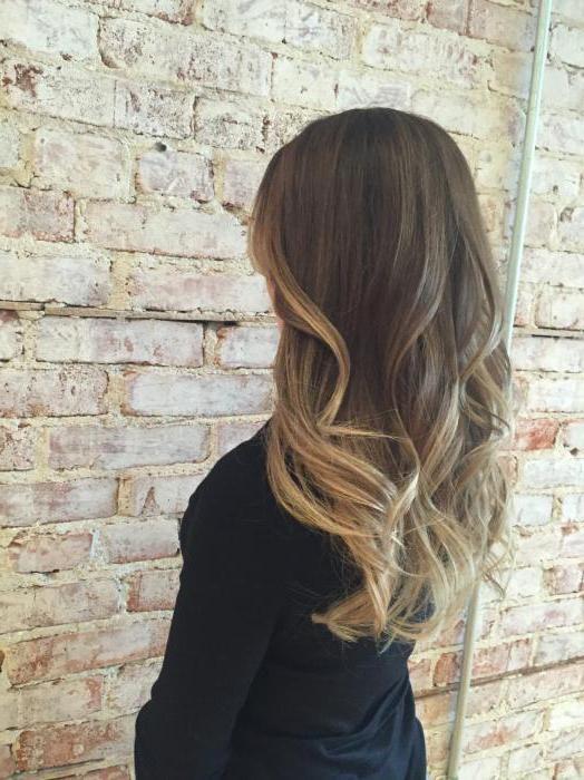 Чем отличается колорирование от мелирования волос