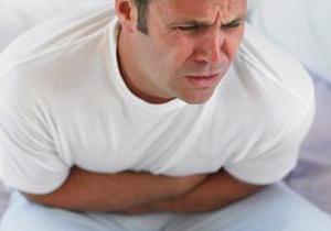 Чем отличаются симптомы и лечение пищевого отравления от несварения желудка