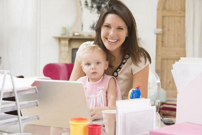 Чем заняться в декретном отпуске? Пособие для молодых мамочек