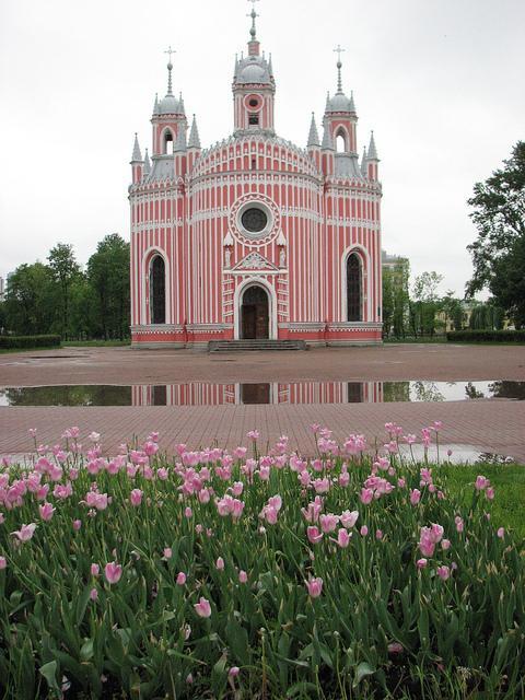 Чесменская церковь - уникальное архитектурное сооружение