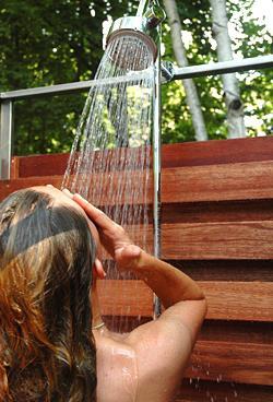 Что нужно знать, перед тем как соорудить дачный душ своими руками?