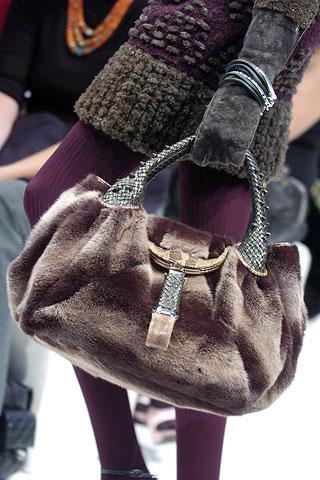 Дамская сумка раскроет все секреты