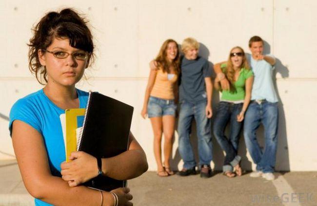 Дети с ограниченными возможностями сталкиваются с запугиванием на протяжении всех школьных лет