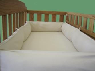 Для чего нужен бампер в кроватку