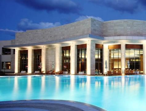 Для приезжающих в геленджик: гостиницы с бассейном