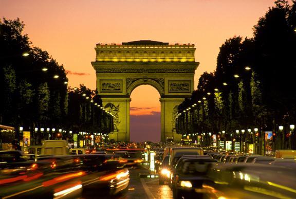 Елисейские поля. Париж