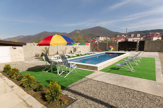 лазаревское гостиницы с детской площадкой