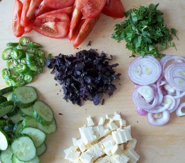 Грузинский салат: несколько рецептов
