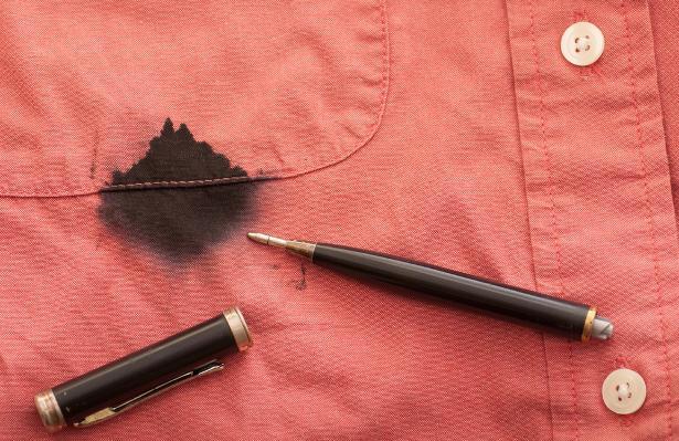 Хозяйке на заметку: как отстирать чернила с одежды
