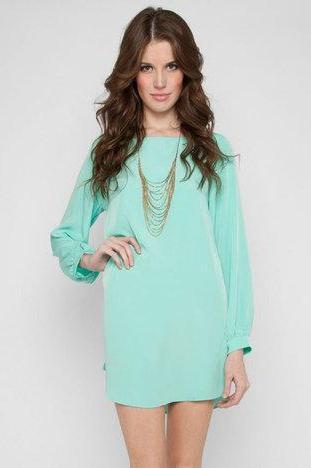 Изысканное мятное платье