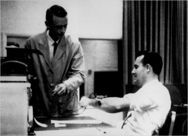 Эксперимент милгрэма: в палачах недостатка не будет