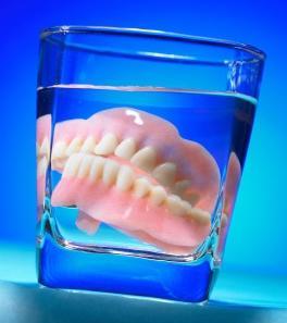 почему выпадают зубы