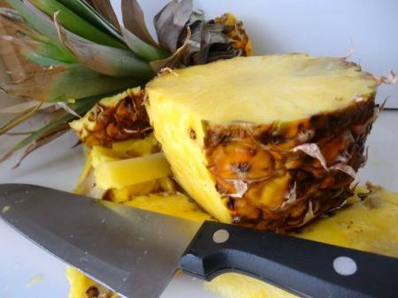 Как чистить ананас – несколько простых советов