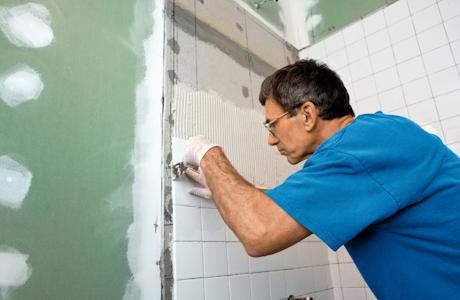 Как кладут плитку в ванной комнате