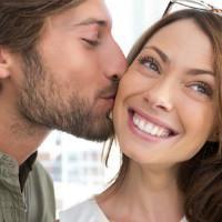 как намекнуть на поцелуй парню