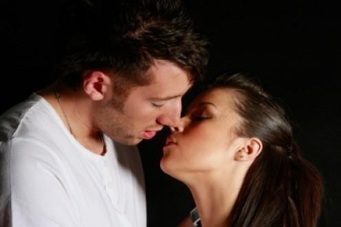 хочу тебя поцеловать