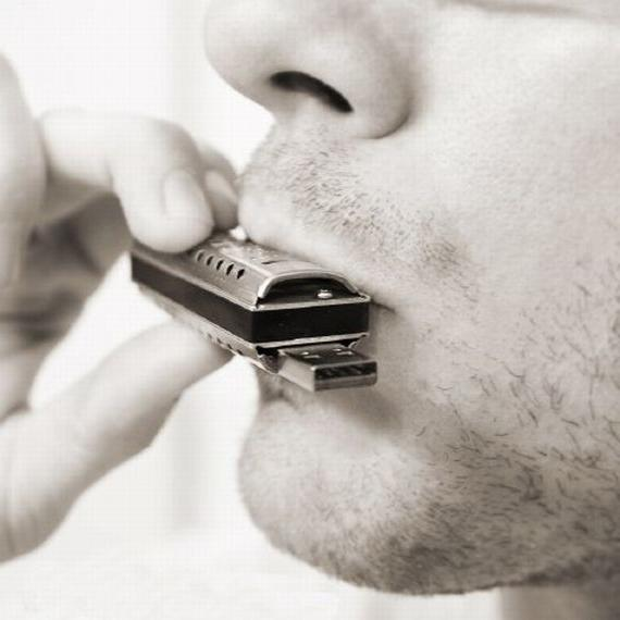 Как научиться играть на гармошке губной - основные правила