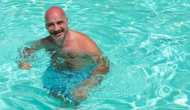 Как научиться плавать взрослому человеку? Очень просто!