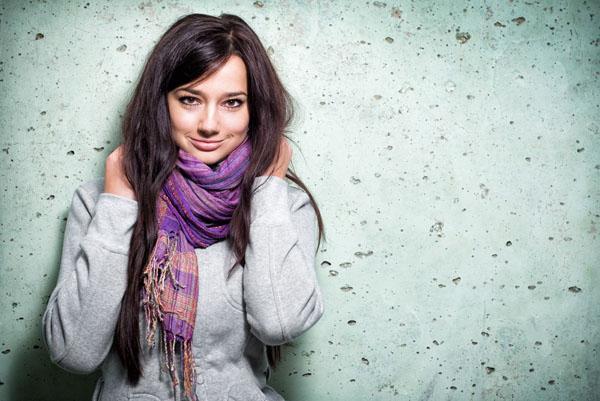 Как носить шарф с пальто, чтобы образ получился оригинальным?