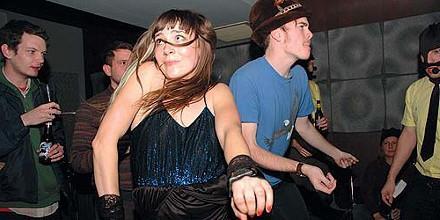 Как обучиться искусству танца? Как танцевать в клубе парню?