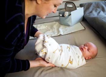 как пеленать новорожденных