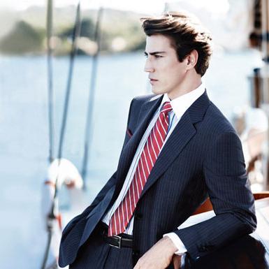 Как подобрать рубашку и галстук к костюму правильно?