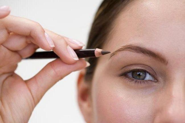 Как правильно красить брови карандашом и тенями