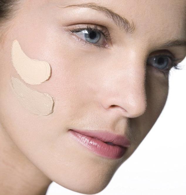 как правильно нанести тональный крем на лицо