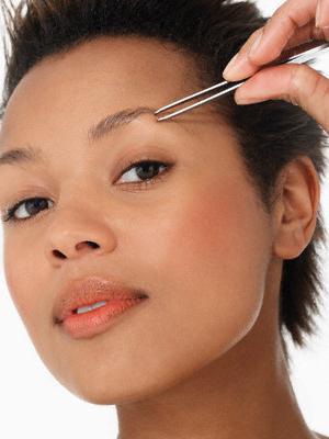 Как правильно щипать брови: советы и рекомендации