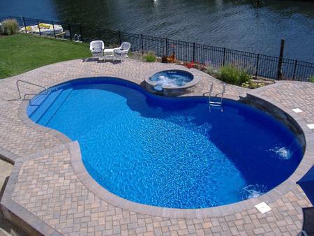 Как сделать бассейн своими руками. Красивое и освежающее решение.