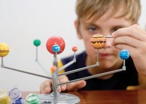 Как сделать макет солнечной системы?