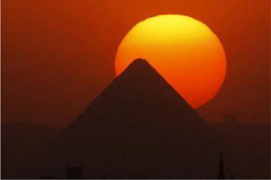 Как сделать пирамиду или седьмое чудо света в домашних условиях?