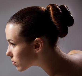 Как сделать шишку из волос для любого случая