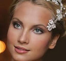 Как сделать свадебный макияж самостоятельно