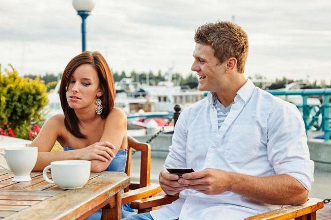 Как смартфоны разрушают ваши отношения?