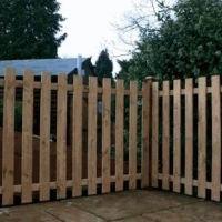 Как соорудить деревянный забор своими руками