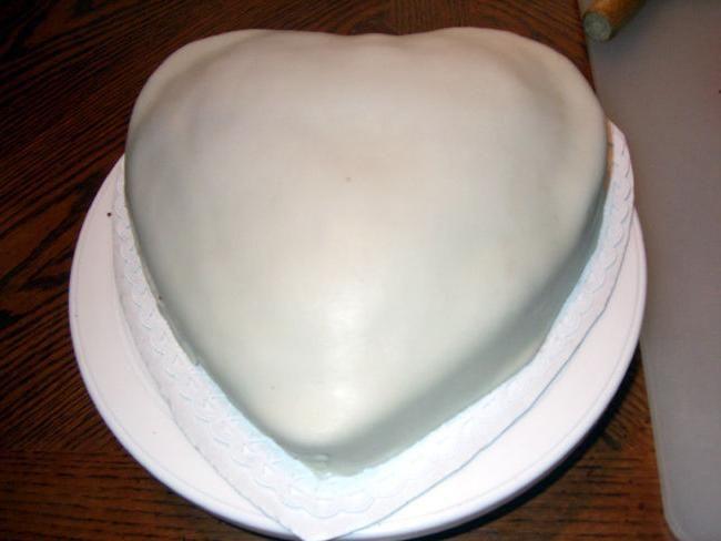 украсить торт мастикой дома