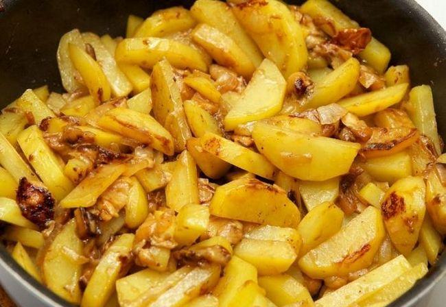 как в мультиварке пожарить картошку