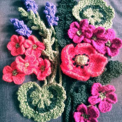 Как вязать цветы крючком и что для этого необходимо знать