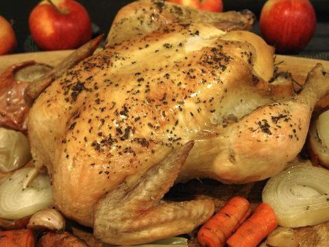 приготовить целую курицу в мультиварке