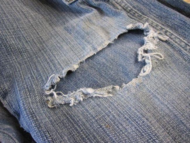 Как зашить дырку на джинсах легко и быстро?