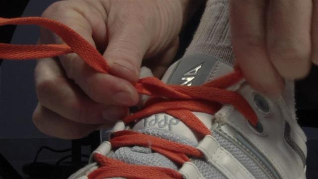 Как завязывать шнурки оригинально?