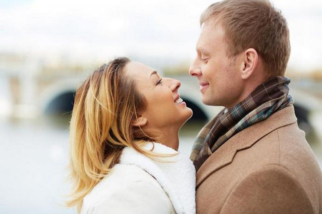 Как зрительный контакт влияет на наше общение?
