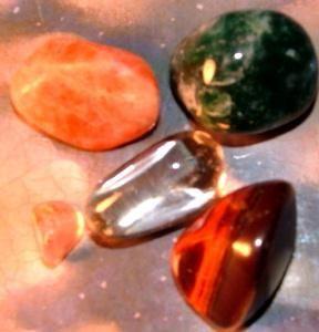 лев драгоценные камни