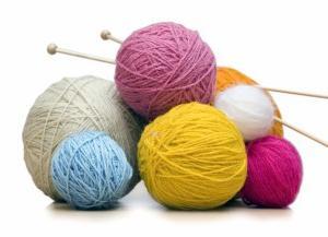 Какие спицы использовать для вязания? Как набирать петли на спицы?